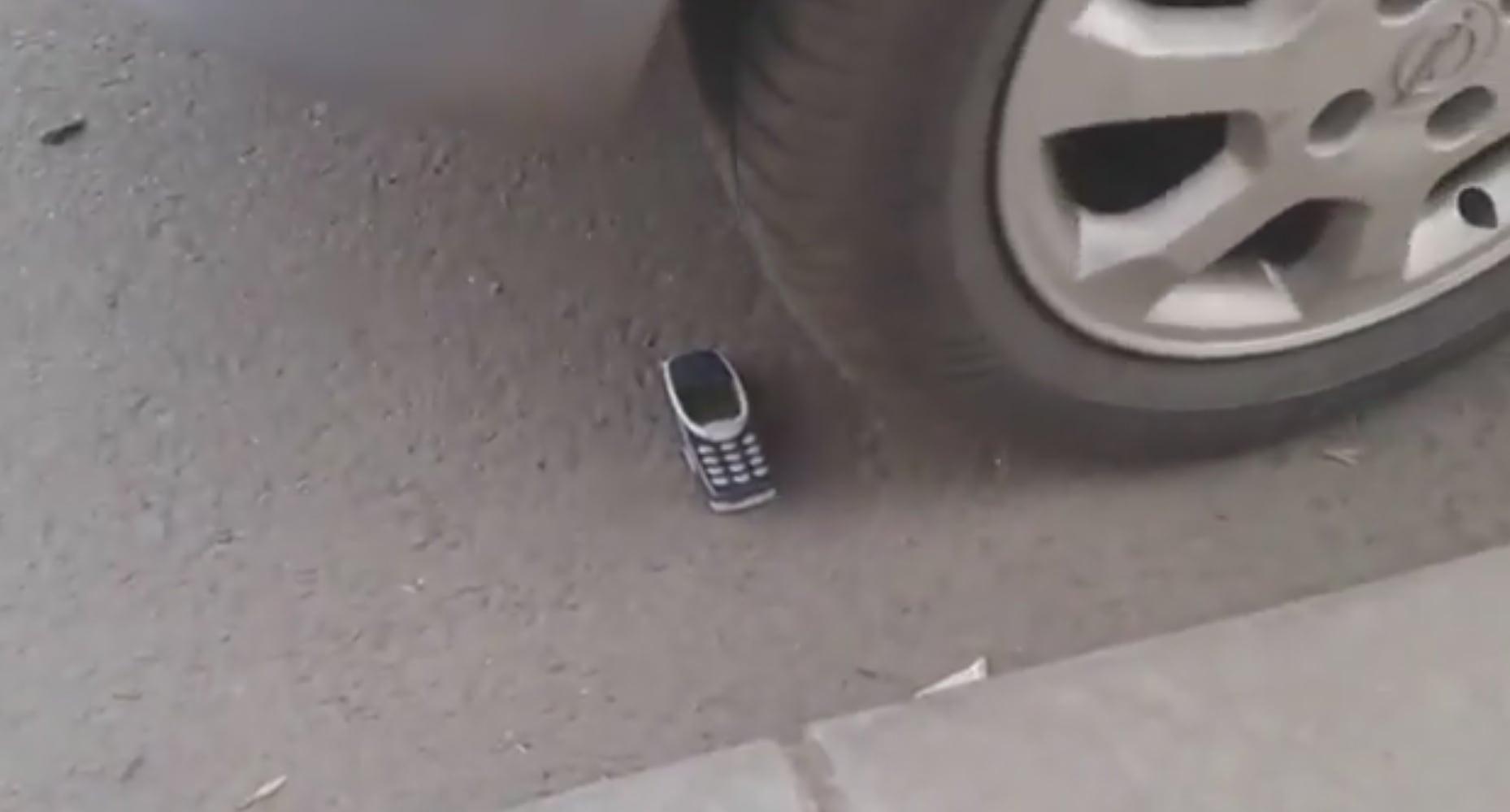 Nokia 3310 Sağlamlık Testi