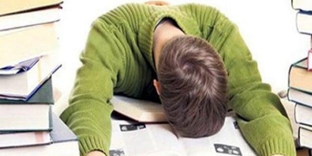 Bazı Derslerden Nefret Edip Kurstan Medet Ummak