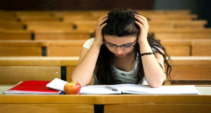 İyi Olmayan Üniversiteyi Bırakmayı Düşünmek